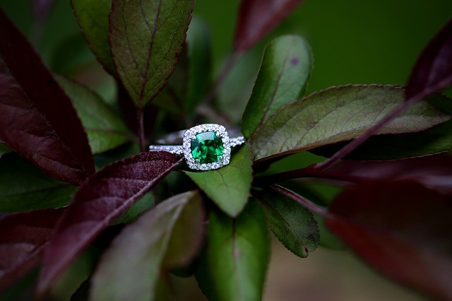 Today's Top Engagement Ring Trends