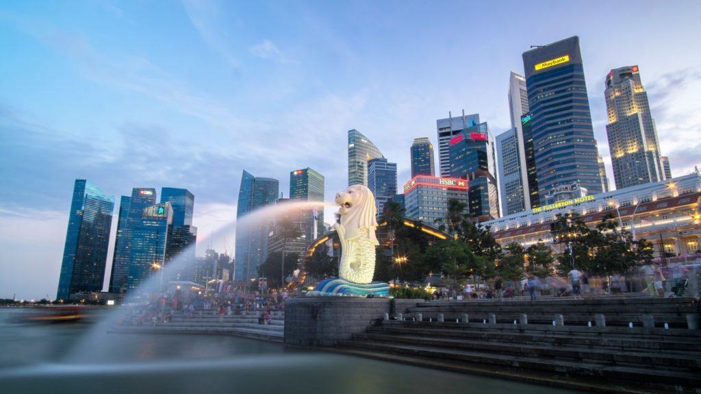 C:\Users\Zedex\Downloads\singapore-skyline-with-merlion.jpg