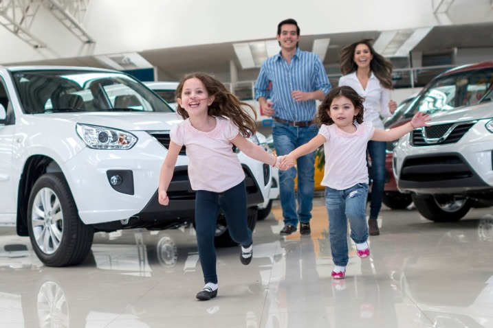 What to Consider when Buying a New Family Car This Spring
